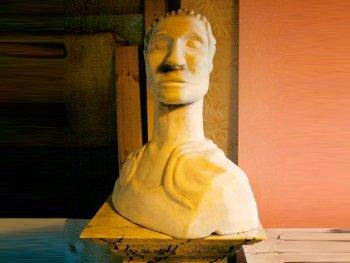 Statue de César, Opéra de Londres
